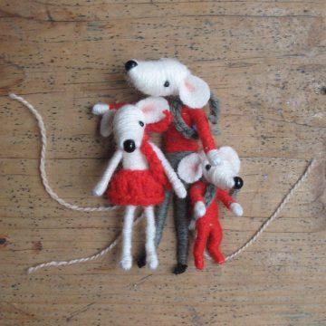 Puppets by Sarah Strachan – Devon-based puppet-maker, crafter, artist, designer, performer